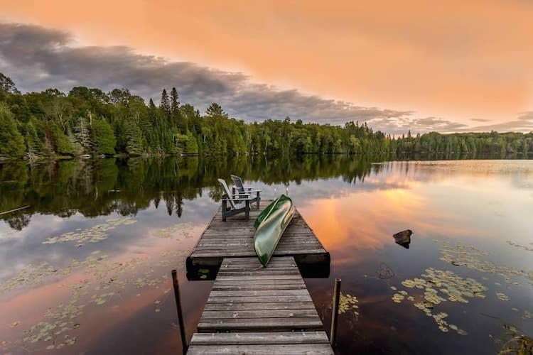 10 des régions avec chalets à découvrir au Canada