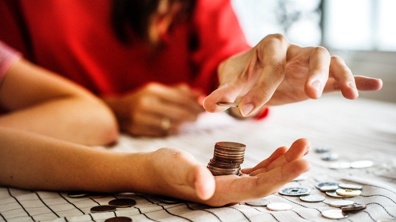 Pourquoi les femmes doivent économiser plus que les hommes pour leur retraite au Canada ?